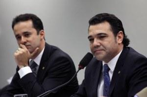 """Anderson Ferreira (PR-PE), autor do Estatuto da Família, e Marco Feliciano (PSC-SP), que chocou o País quando dirigiu a Comissão de Direitos Humanos. Para Ferreira, """"o arranjo familiar baseado no amor e no afeto é algo novo em nossa sociedade"""" e não deve ser protegido por lei"""