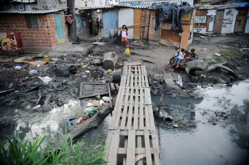 favela_pobreza.jpg